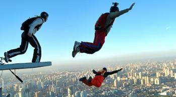 635893002112756879921161936_base jumping